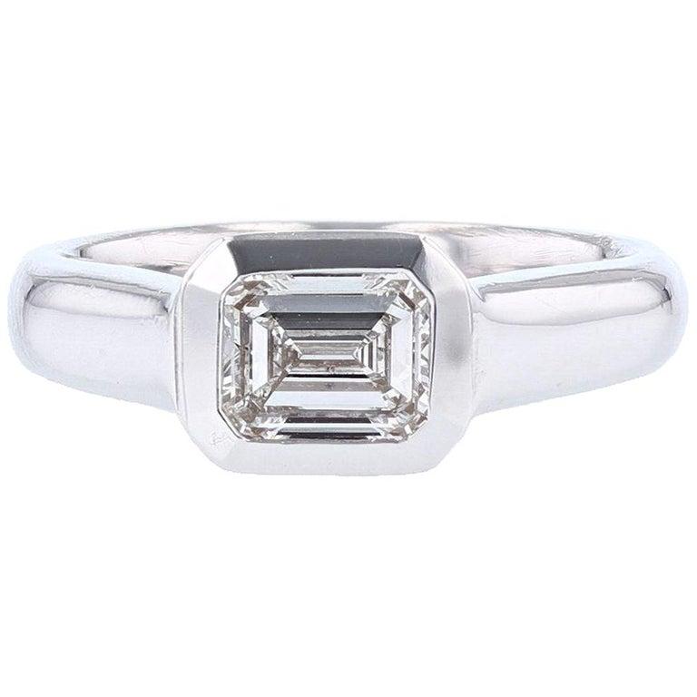 Emerald Cut 1.01 Carat Diamond 14 Karat Gold Signet Ring For Sale