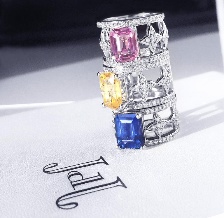Emerald Cut Blue Sapphire and Diamond Ring in Platinum In New Condition For Sale In Toronto, CA