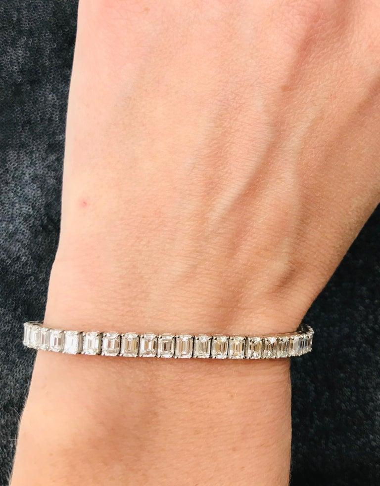 Emerald Cut Certified Diamonds 10.55 Carat on Platinum Tennis Bracelet For Sale 7