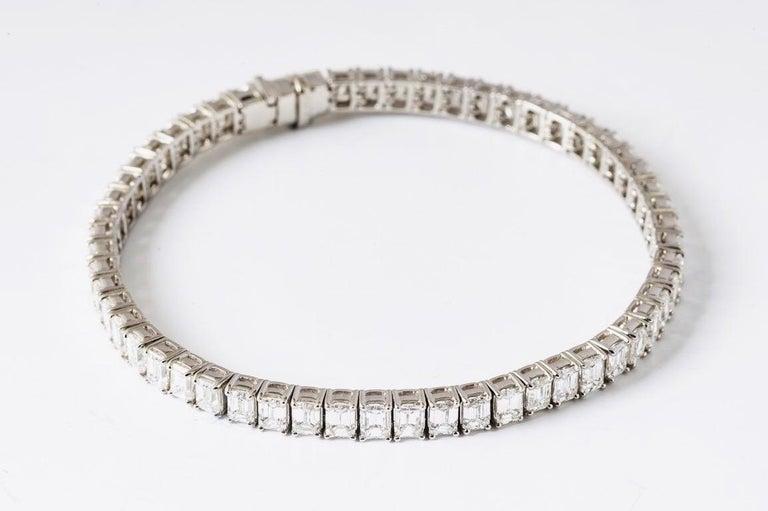 Contemporary Emerald Cut Certified Diamonds 10.55 Carat on Platinum Tennis Bracelet For Sale
