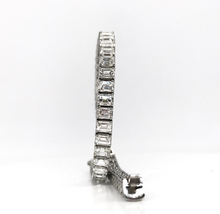 Women's Emerald Cut Certified Diamonds 10.55 Carat on Platinum Tennis Bracelet For Sale