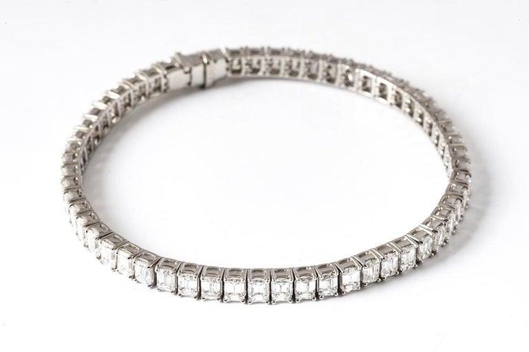 Emerald Cut Certified Diamonds 10.55 Carat on Platinum Tennis Bracelet For Sale 2