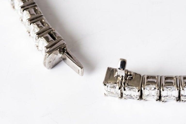 Emerald Cut Certified Diamonds 10.55 Carat on Platinum Tennis Bracelet For Sale 4