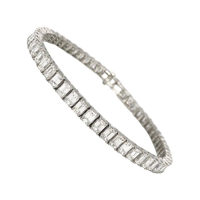 Emerald Cut Certified Diamonds 10.55 Carat on Platinum Tennis Bracelet For Sale