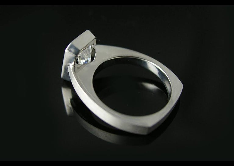 Emerald Cut Diamond Bezel Solitaire Ring In New Condition For Sale In los angeles, CA