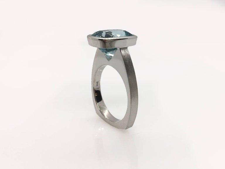 Emerald Cut Diamond Bezel Solitaire Ring For Sale 3