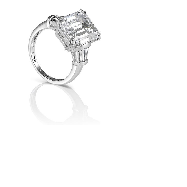 Emerald Cut Diamond Engagement Ring In Excellent Condition For Sale In New York, NY