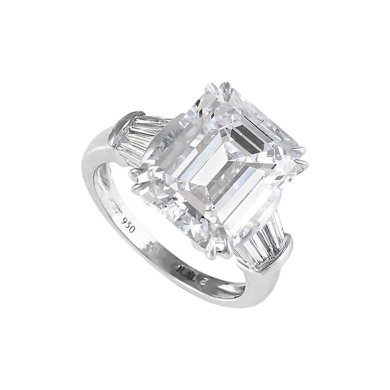 Emerald Cut Diamond Engagement Ring For Sale