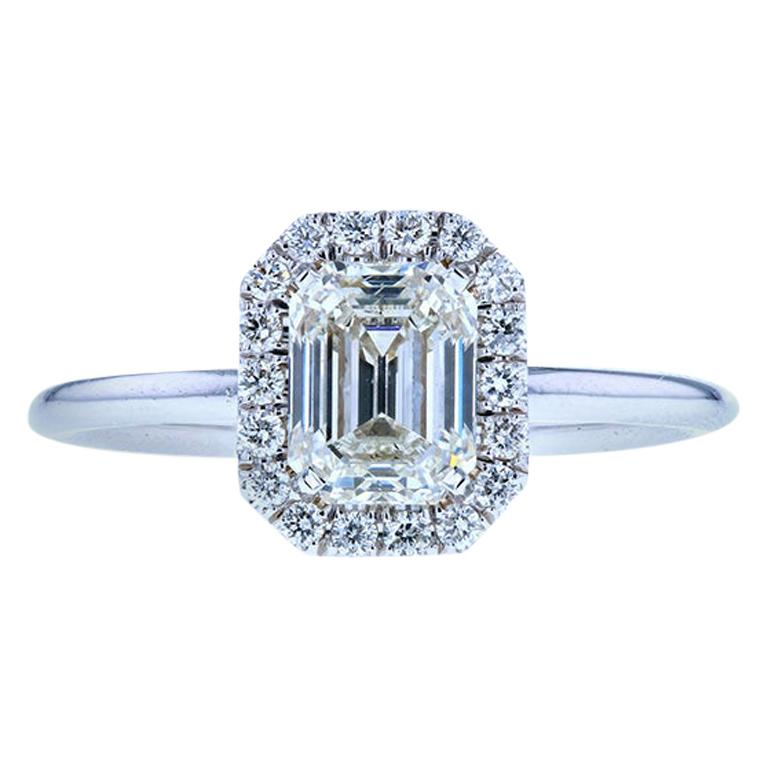 Emerald Cut Diamond Engagement Ring with Classic Diamond Halo For Sale