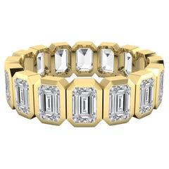 Emerald Cut Diamond Eternity Band Ring in 18 Karat Yellow Gold