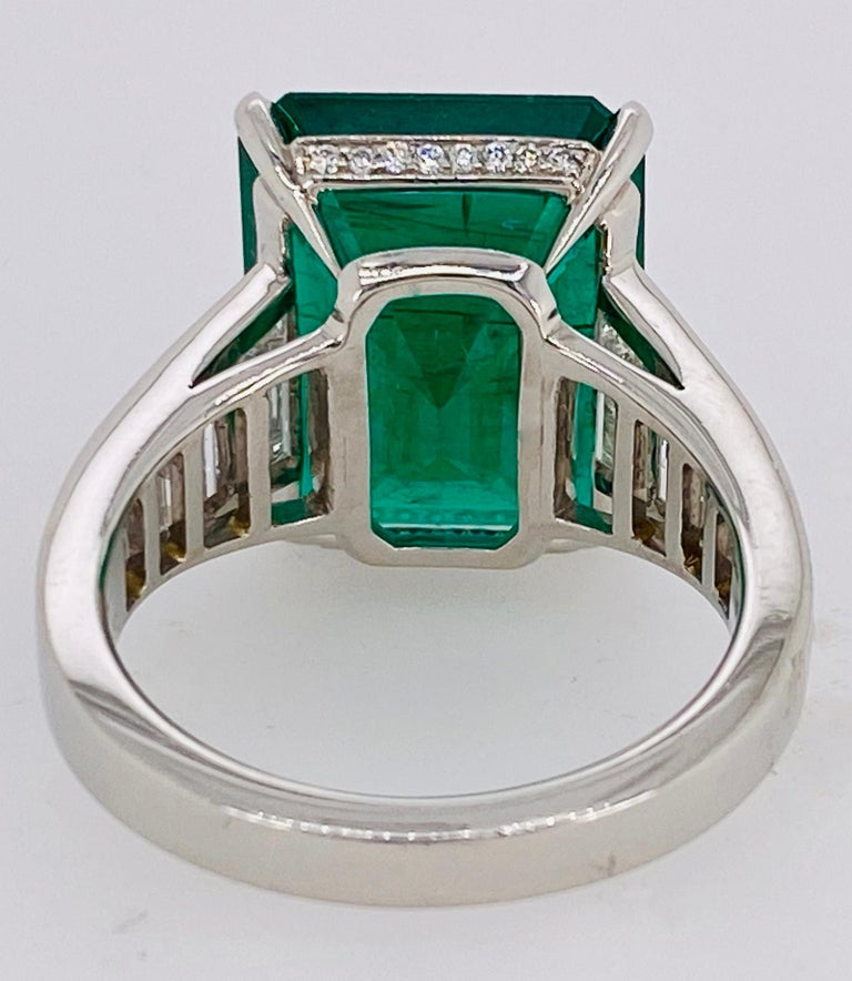 Emerald Cut Emerald and Diamond Ring In New Condition For Sale In Carmel, CA