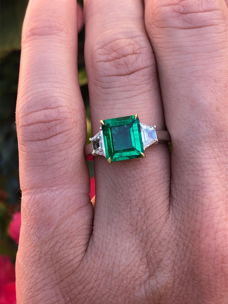 Colombian Emerald Ring Emerald Cut 1.66 Carats AGL CertifiedI Insignificant Oil For Sale 1