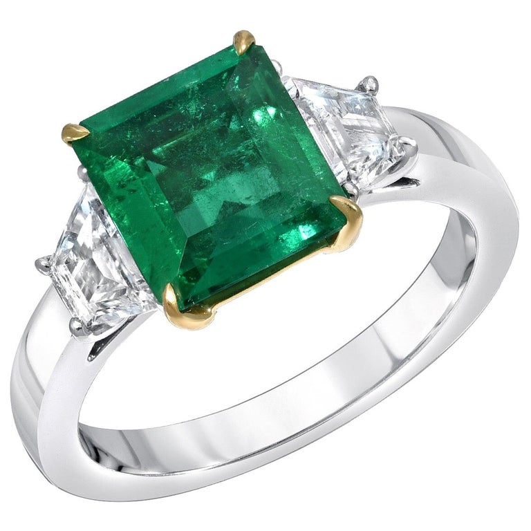 Colombian Emerald Ring Emerald Cut 1.85 Carats AGL Certified Insignificant Oil For Sale