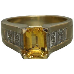 Emerald Cut Golden Beryl Solitaire and Baguette Diamond Pyramid Ring