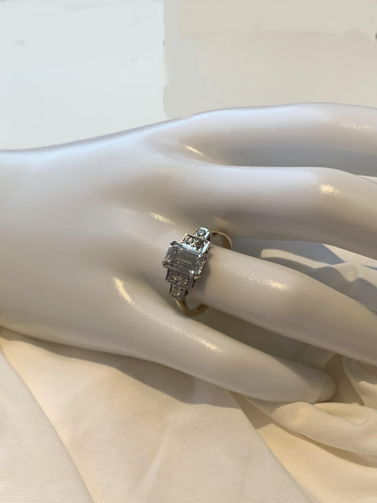 Emerald Cut Natural Diamond Ring In Excellent Condition For Sale In Glasgow, Glasgow