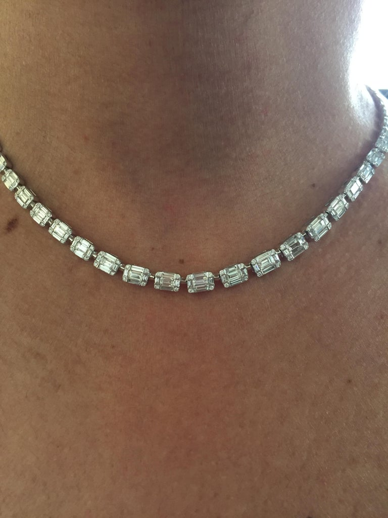 Emerald Cut Necklace 18 Karat In New Condition For Sale In Great Neck, NY