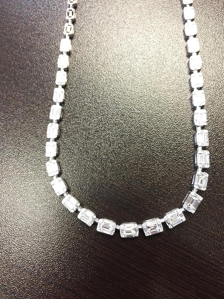 Women's Emerald Cut Necklace 18 Karat For Sale