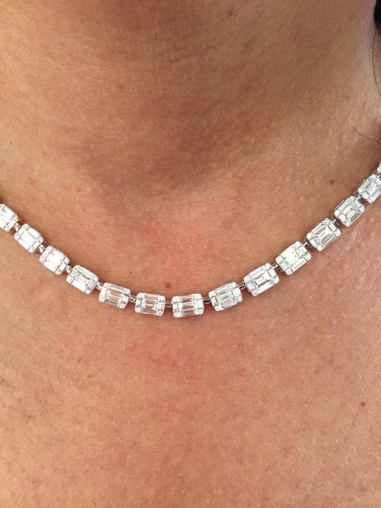 Emerald Cut Necklace 18 Karat For Sale 1