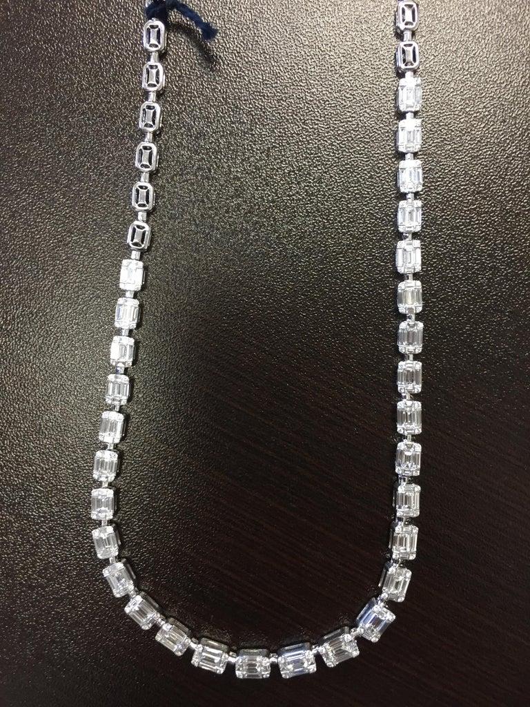 Emerald Cut Necklace 18 Karat For Sale 2