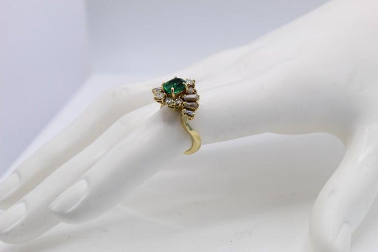 Women's or Men's Emerald Diamond 18 Karat Gold Ring For Sale