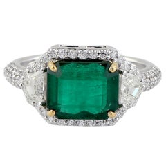 Emerald Diamond 18 Karat Gold Ring