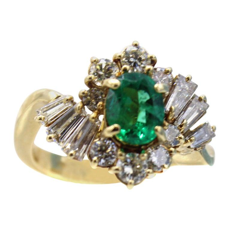 Emerald Diamond 18 Karat Gold Ring For Sale