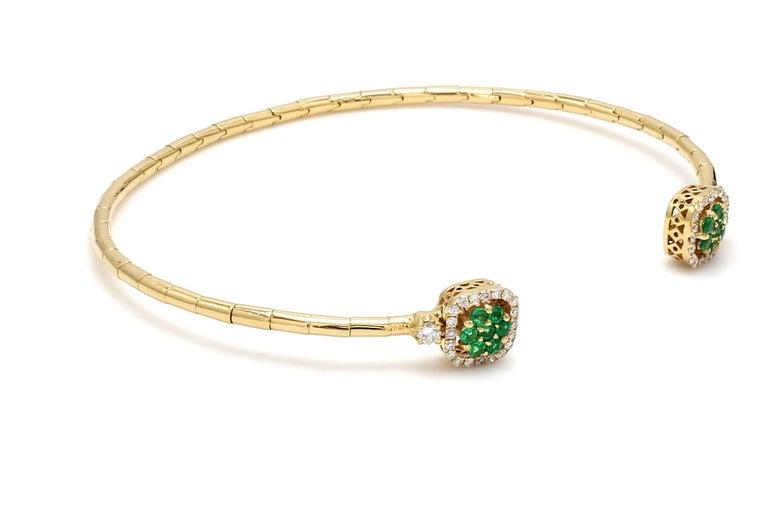 Round Cut Emerald Diamond 18 Karat Yellow Gold Cuff Bracelet For Sale