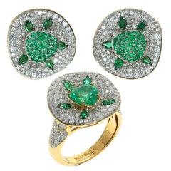 Emerald Diamond 18 Karat Yellow Gold Ring Earrings Suite