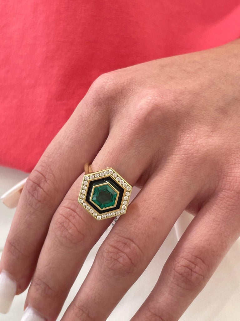 Emerald, Diamond and Enamel Hexagonal Museum Series Ring in 18 Karat Yellow Gold For Sale 2