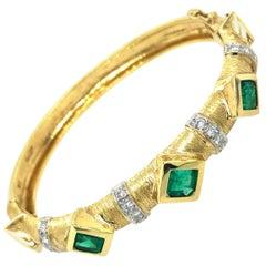 Emerald Diamond and Yellow Gold Bangle Bracelet