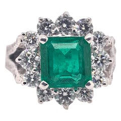 Emerald Diamond Cocktail Classic Ring in 18k White Gold