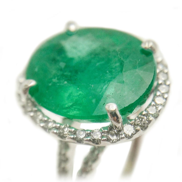 Contemporary Emerald Diamond Cocktail Ring For Sale
