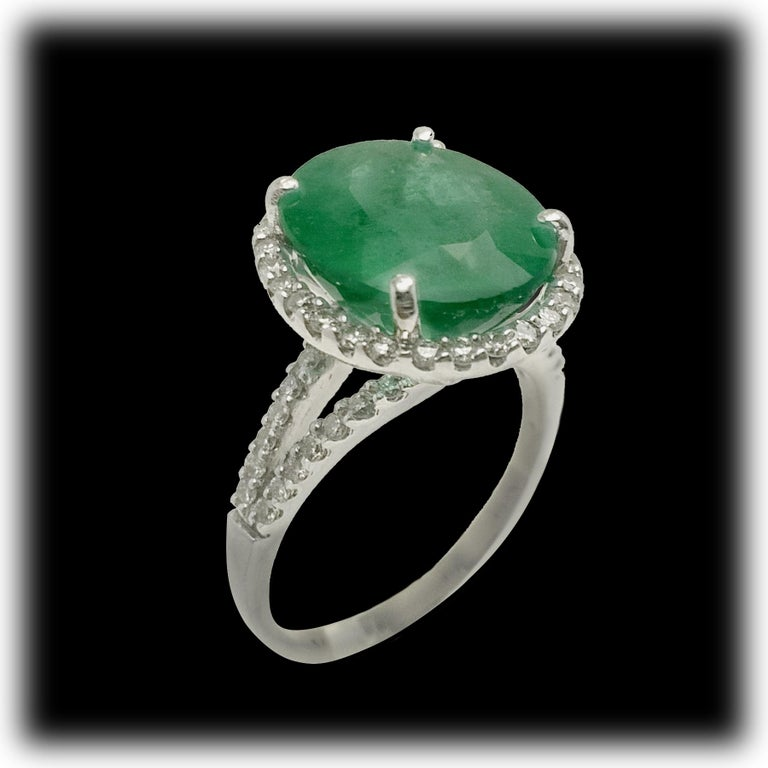 Emerald Diamond Cocktail Ring For Sale 3