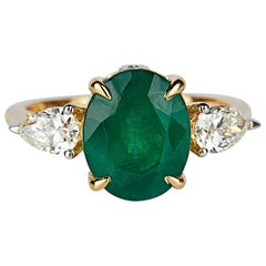 Emerald Diamond Fashion Ring Set in 18 Karat White Gold 'VVS-VS/G Diamonds'