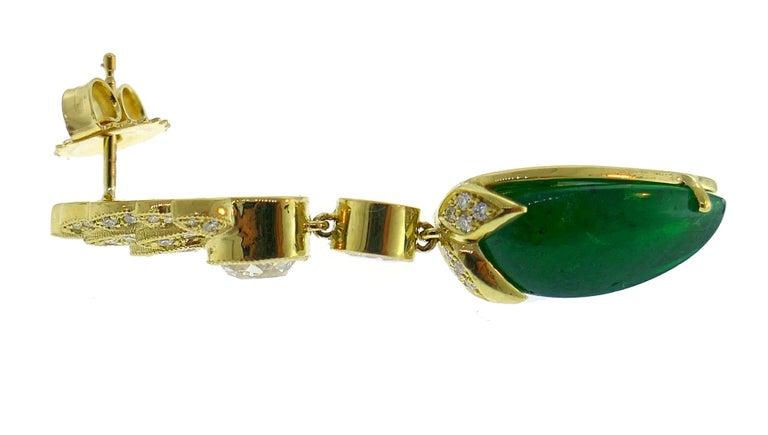 Modern Emerald Diamond Gold Dangle Drop Earrings For Sale
