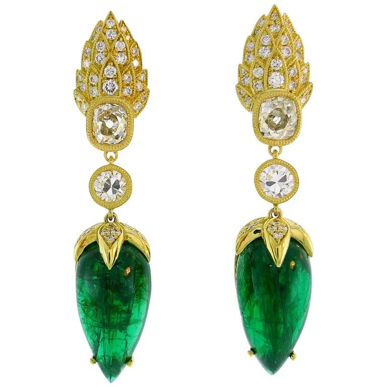 Emerald Diamond Gold Dangle Drop Earrings For Sale
