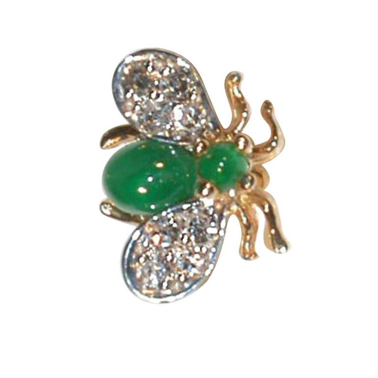 Contemporary Emerald Diamond Gold Fly Brooch Pin For Sale