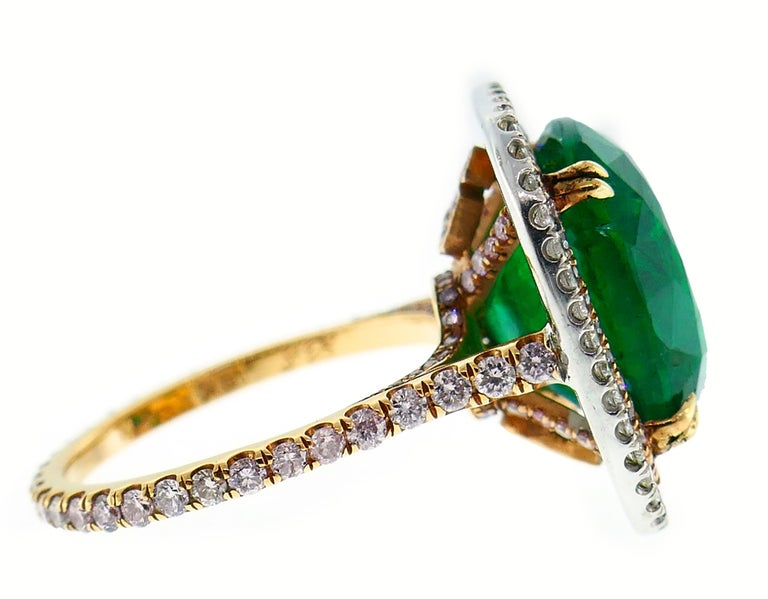Emerald Diamond Gold Ring  In Good Condition For Sale In Beverly Hills, CA