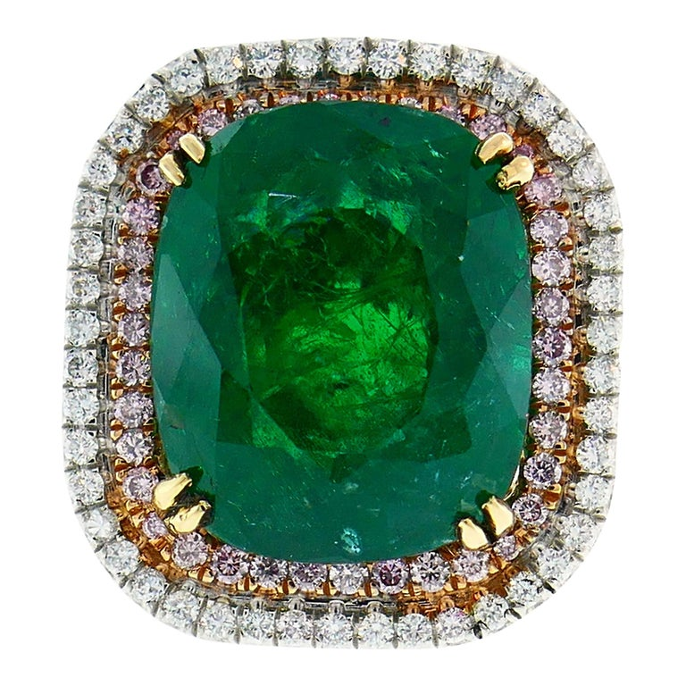 Emerald Diamond Gold Ring  For Sale