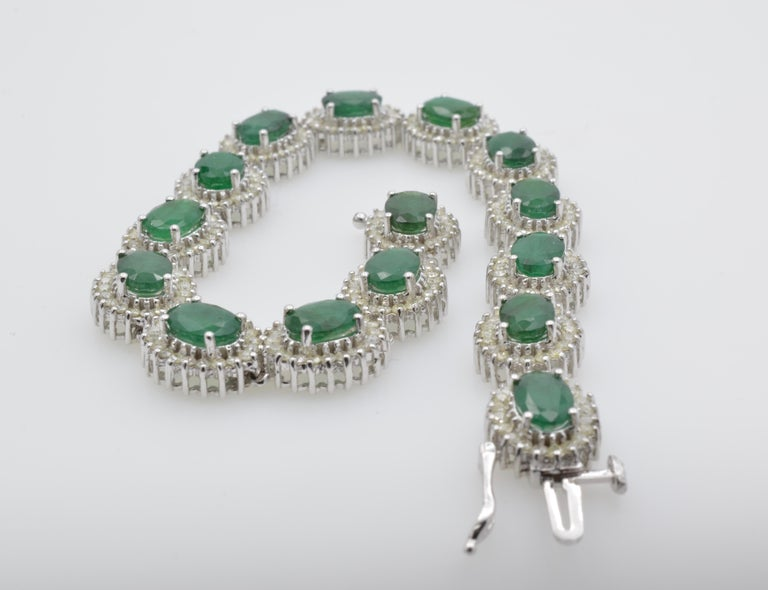Emerald Diamond Lady Bracelet White Gold In Excellent Condition For Sale In Berkeley, CA
