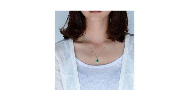 Pear Cut Emerald Diamond Necklace 18K White Gold For Sale