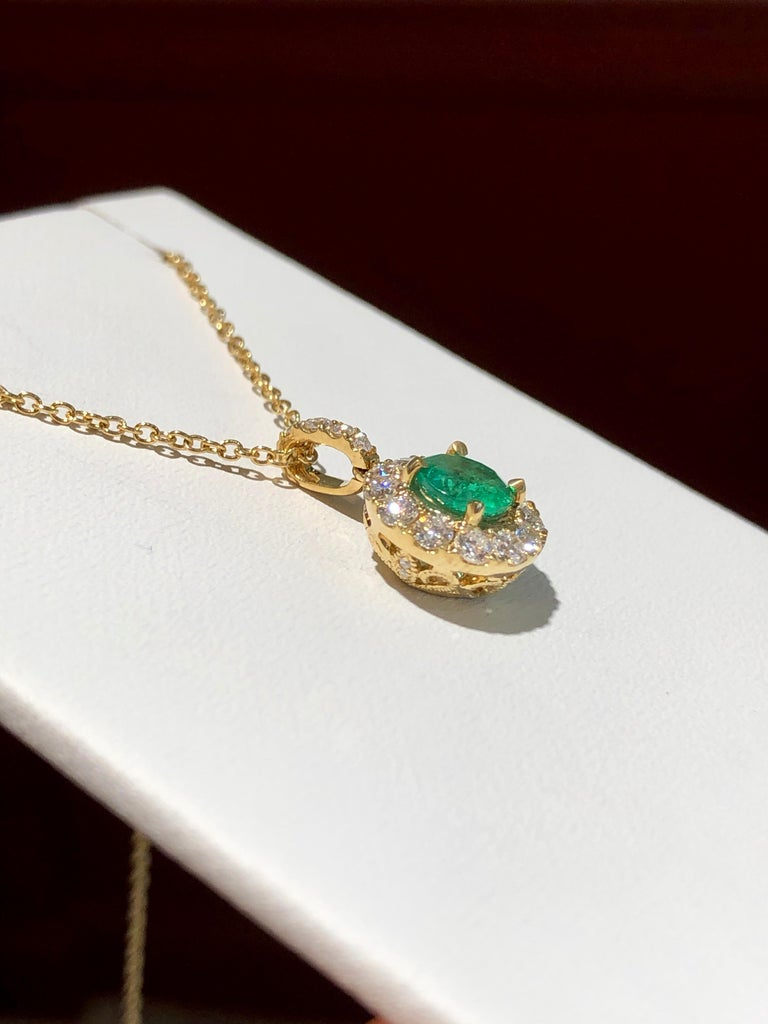 Round Cut Emerald and Diamond Pendant Necklace Yellow Gold For Sale