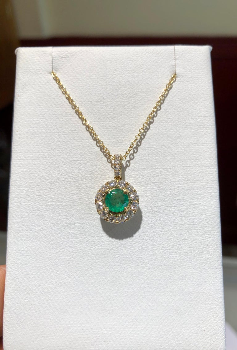 Emerald and Diamond Pendant Necklace Yellow Gold For Sale 3
