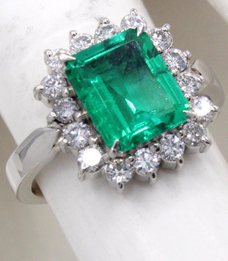 Emerald Diamond Platinum Ring For Sale 3