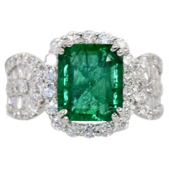 Emerald Diamond Ring 18 Karat