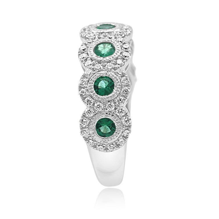 Women's Emerald Diamond Single Halo Gold Strackable Fashion Cocktail Milgrain Band Ring For Sale
