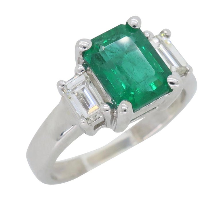 Emerald and Diamond Three-Stone Ring For Sale 5