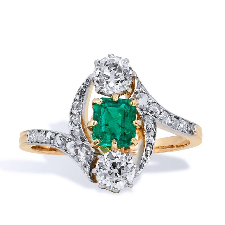 Art Deco Estate Emerald Diamond 3 Stone with Pave Gold Platinum Bypass Ring In Excellent Condition For Sale In Miami, FL