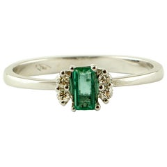 Emerald, Diamonds, 18 Karat White Gold, Solitary Ring