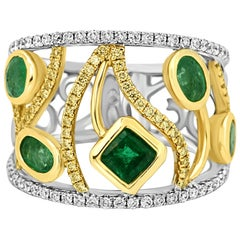 Emerald Fancy Yellow White Diamond Two-Color Gold Cocktail Fashion Band Ring